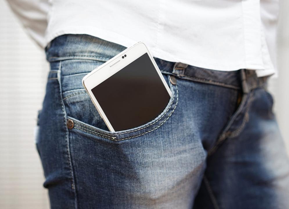 Galaxy NoteにインスパイアされたXiaomiのスマホ「Note」がインド人のポケットで発火
