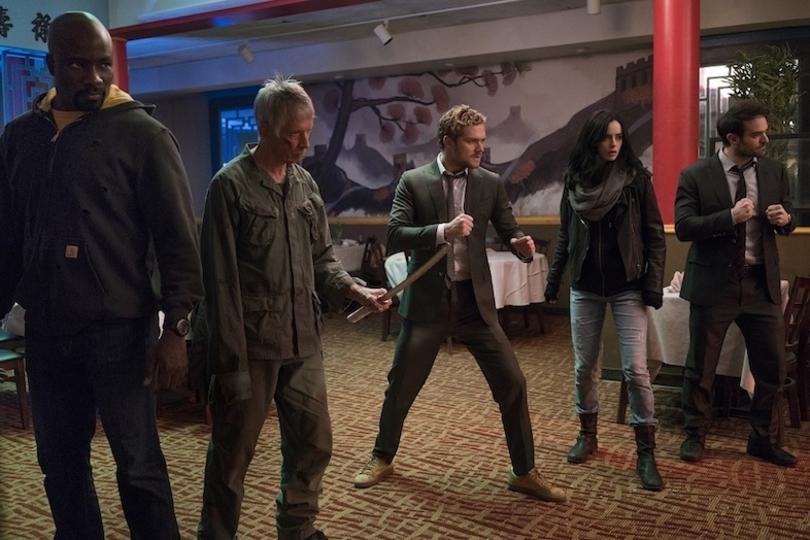 Netflixドラマ『Marvel ザ・ディフェンダーズ』の主演チャーリー・コックスとフィン・ジョーンズにインタビュー! 「私たち4人をまとめるのは悪夢だったと思います」