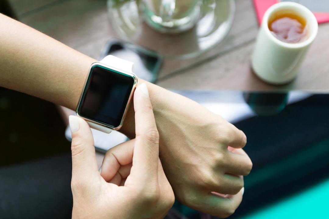 新型の「セルラー版Apple Watch」はeSIMを採用し、通話には非対応?