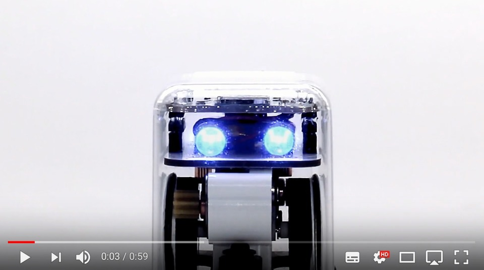 未来を担う子供たちにはロボットが必要だ。学習雑誌「小学8年生」が手のひらサイズのロボット「TABO8」を付録