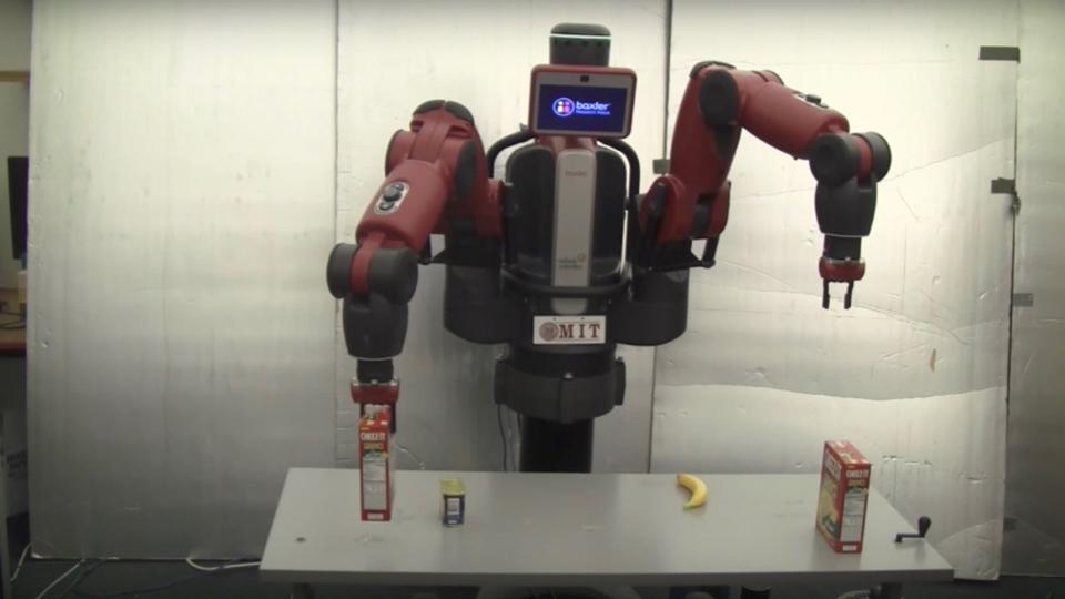 「それ取って」で通じる。人間のテキトーな指示でも動けるロボット