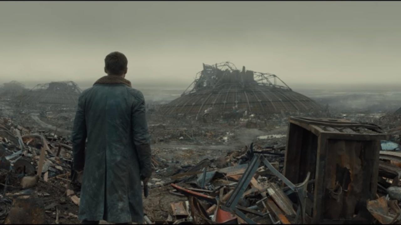 荒廃した地、謎の男…映画『ブレードランナー2049』新映像