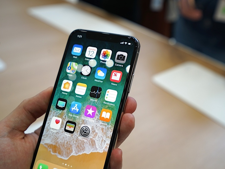 iPhone Xファーストインプレッション:Future Is Born!