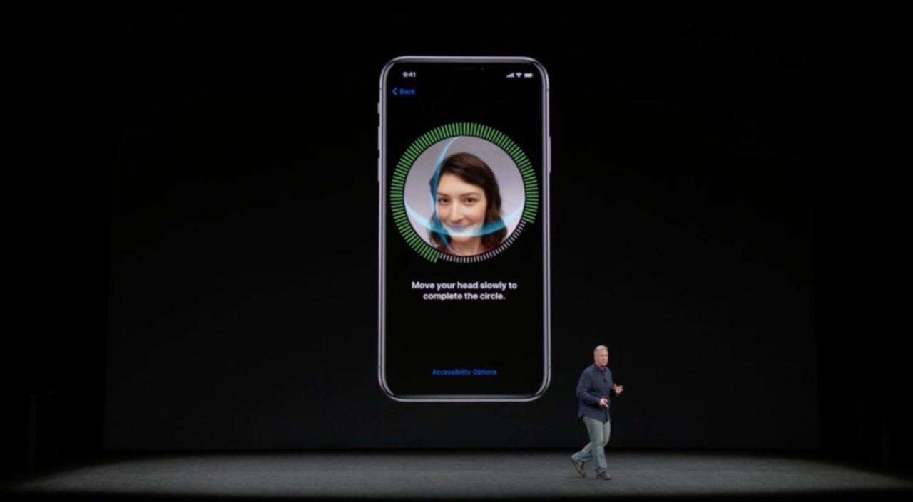 ホームボタンレスiPhone Xのロック解除は顔認証「Face ID」