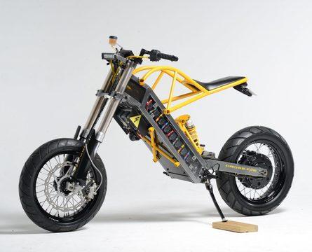 動物整形外科医のエンジニアが自家製の電動バイク『ExoDyne』を作りました