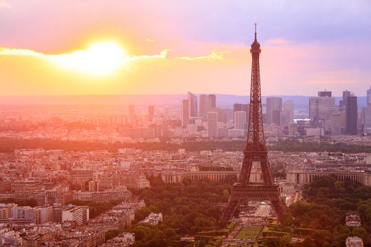フランスが2040年までに石油の生産廃止を検討中
