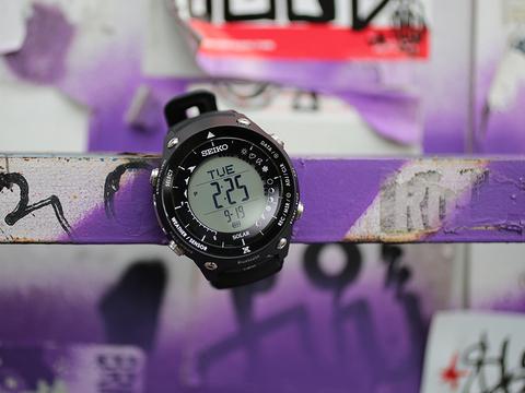 SEIKO「ランドトレーサー」レビュー: スマートウォッチよりスマートなBluetooth時計