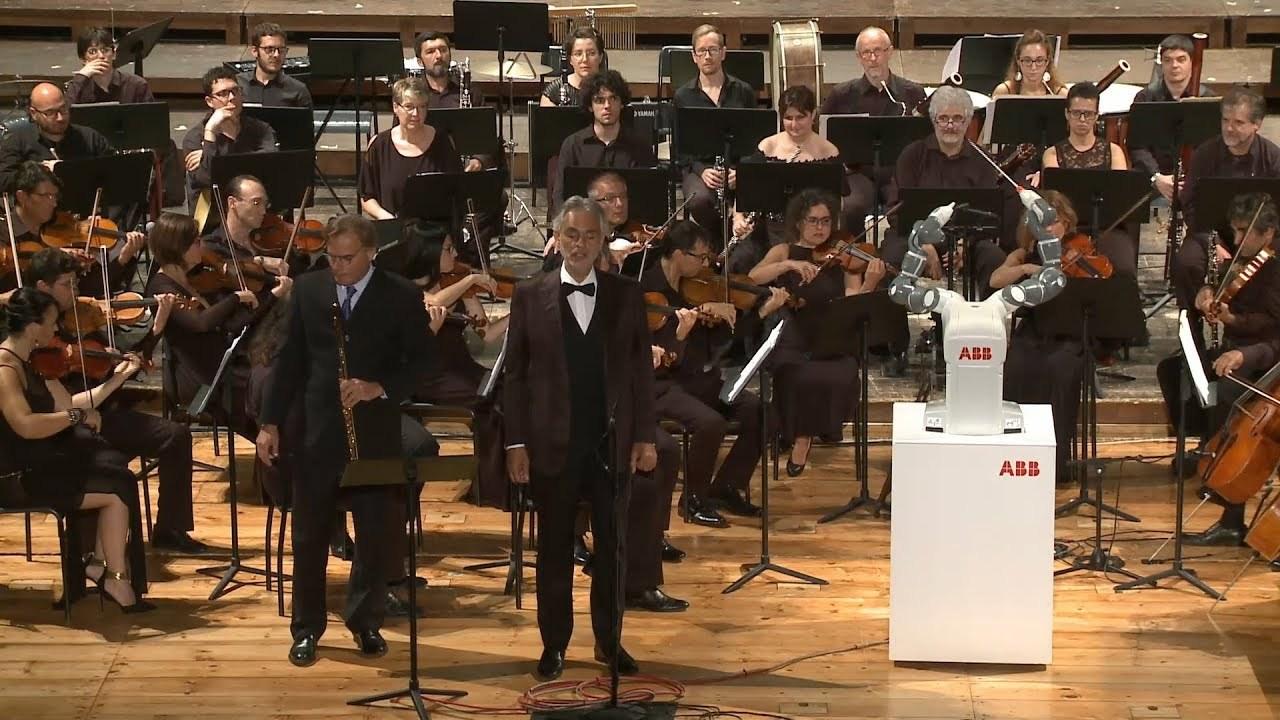 イタリアで指揮者デビューしたロボット・アーム「YuMi」