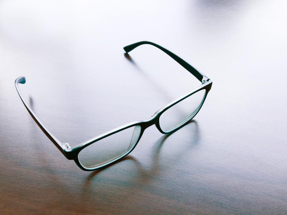 Amazon、「Alexa」搭載のスマート眼鏡を開発中? セキュリティカメラも…