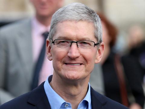 クックCEO、「iPhone X」はバリュープライスだと発言…ん?