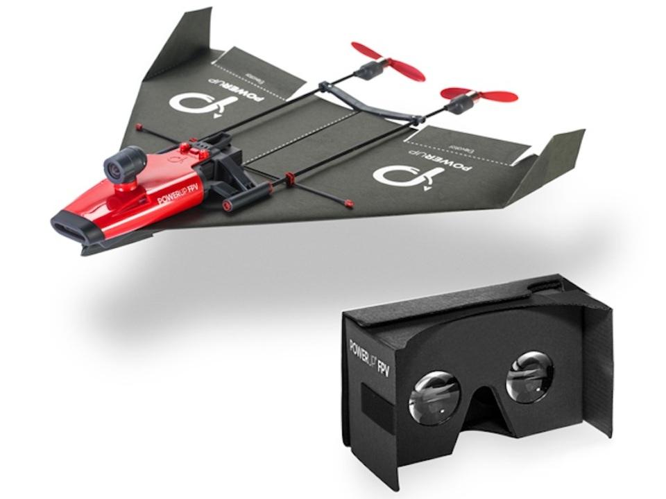 クラウドファンディングのプロジェクトが残り1日! 紙飛行機ドローン「PowerUp」