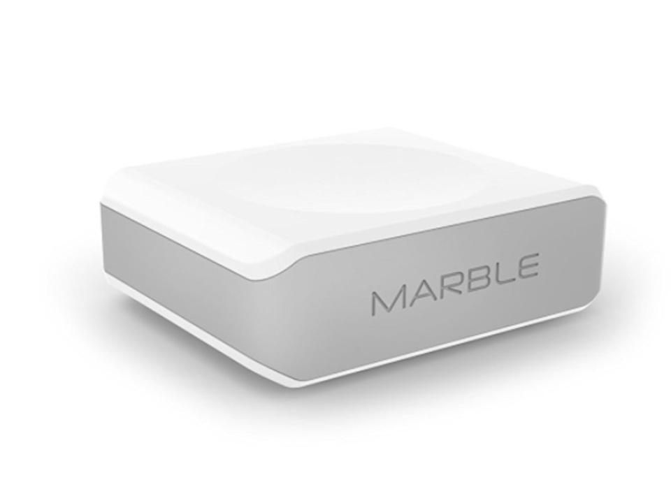 充電からUSBハブまでまるっとお任せ。ポータブルなドッキングステーション「Marble」