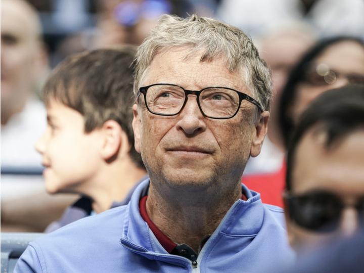 ビル・ゲイツ、Androidスマホを手にする。iPhoneは依然使わず
