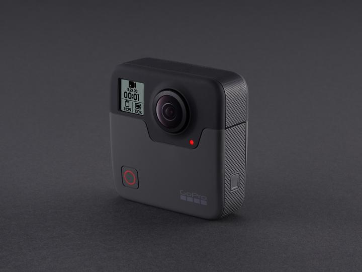 GoProの360°カメラ「Fusion」なら芸人の驚き顔も、視点の先も1台で撮れそう