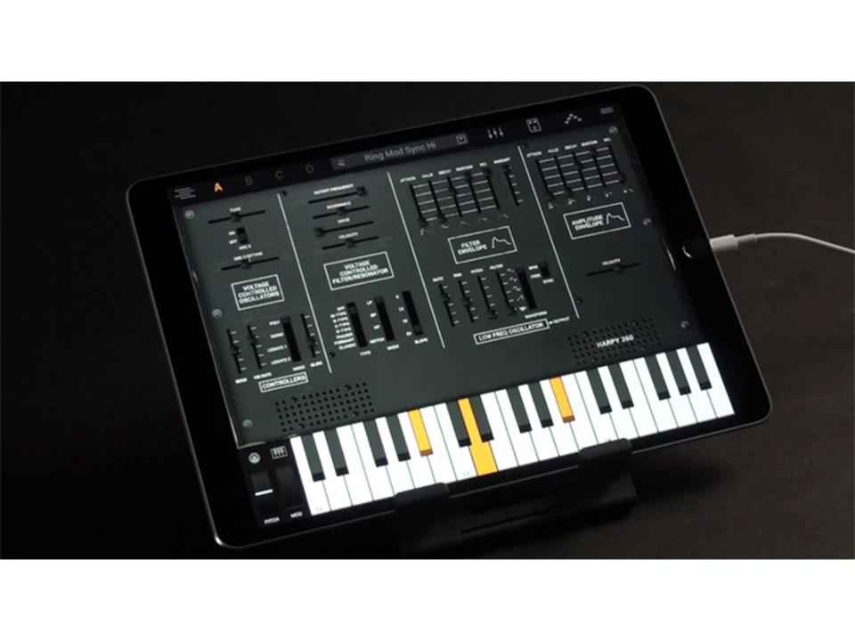 MinimoogにJupiter 8などなど、38もの名機を再現したシンセ音源アプリ「Syntronik for iPad」がリリース