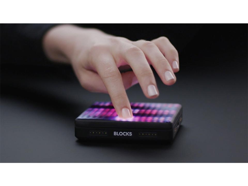 モジュール式楽器デバイス「ROLI Blocks」から、触覚フィードバックを追加した新モデル「Lightpad Block M」が登場