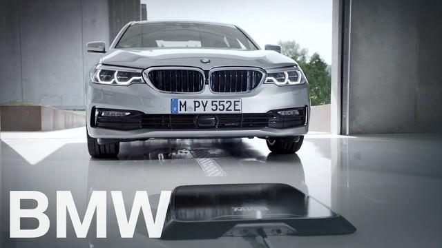 ガレージに入るだけ。BMWが自動車向けワイヤレス充電パッドを準備中