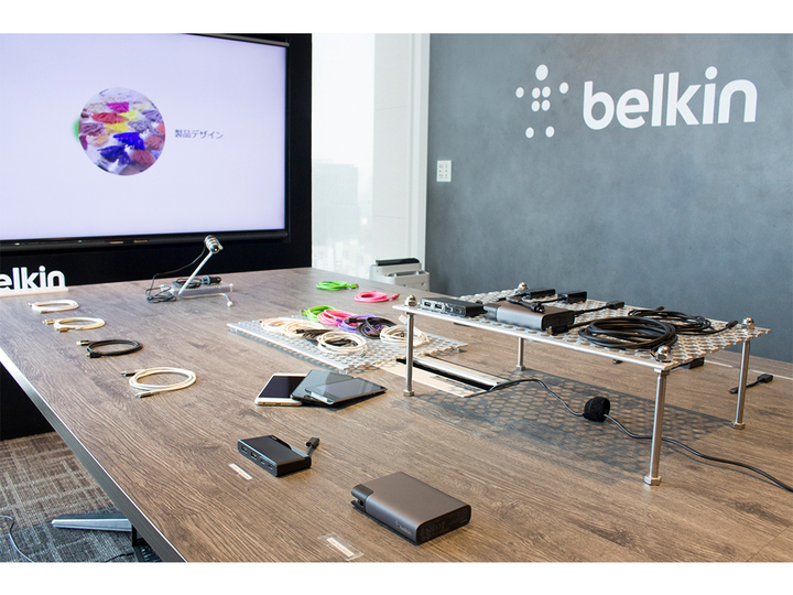 製品だけじゃない! Belkinのイベントで体験した「iPhoneフィルム貼り付けサービス」の心意気