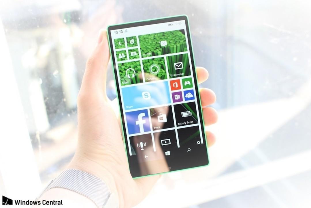 ベゼルレスWindows Phoneが2014年に開発されていた…!