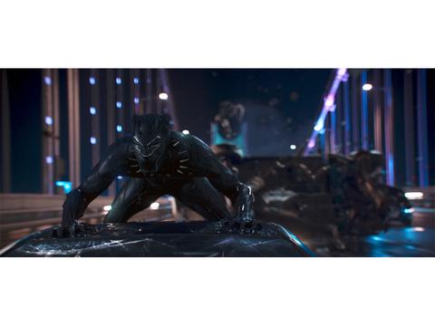 ハイテクのジャングルに黒豹が吠える! 映画『ブラックパンサー』予告編