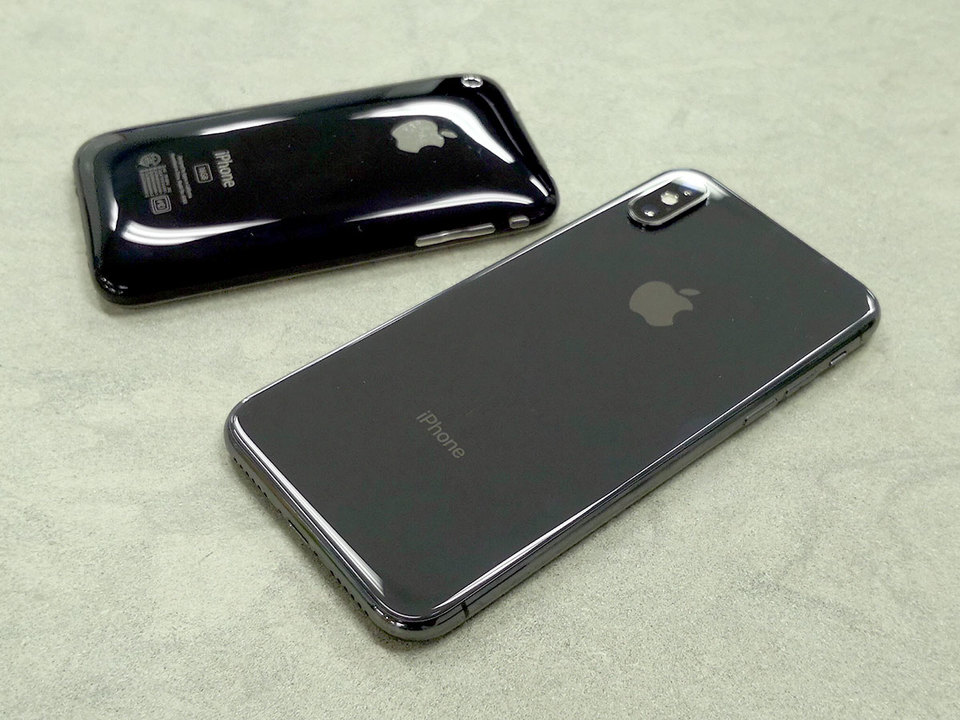 iPhone X ×iPhone 3GSクロスレビュー:そしてディスプレイだけが残った