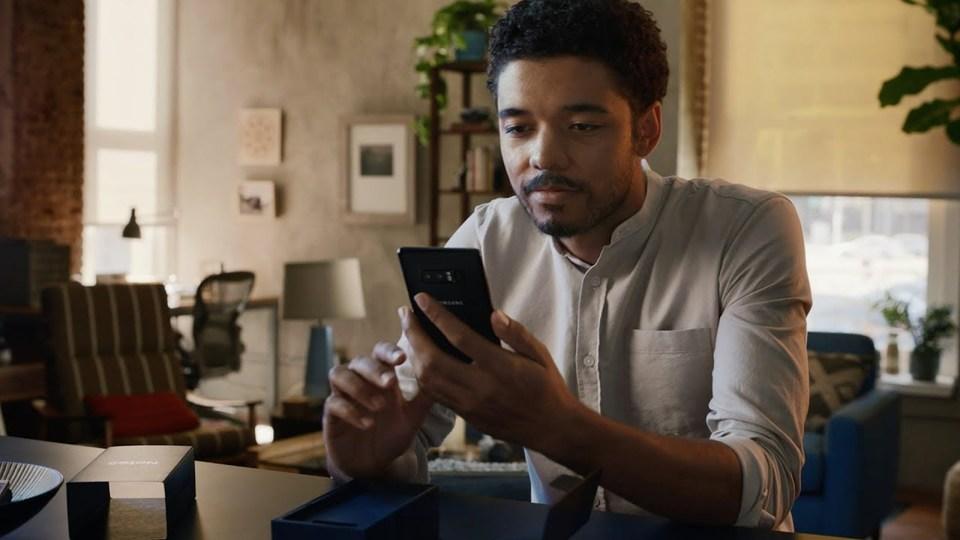 Samsung、iPhoneを熱くディスるCMを公開