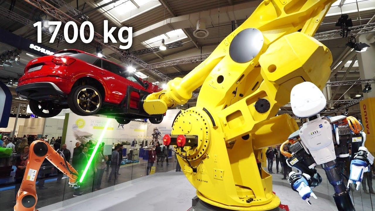 ハノーバー・メッセ国際産業技術見本市に展示されたロボット・アームの数々