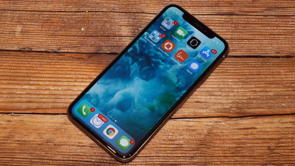「寒さでiPhone Xが動かなくなる」Appleがソフトウェアアップデートでの対応を明言