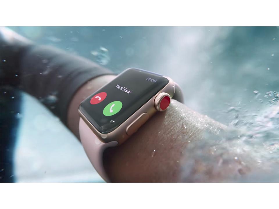 これがLTEの恩恵! サメのいる海で遭難しかけた男性が「Apple Watch Series 3 LTEモデル」を使って助かる