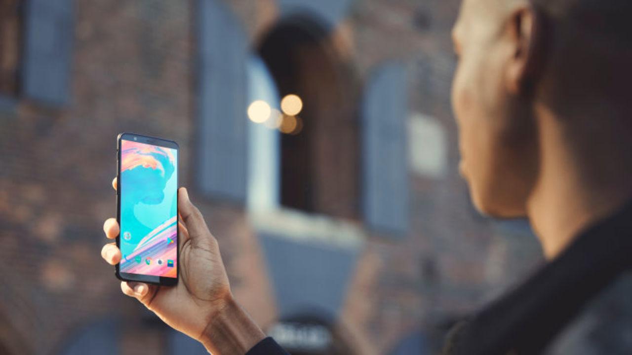 新型スマホ「OnePlus 5T」登場。ワイドディスプレイ、Snapdragon 835、f1.7レンズが500ドルから