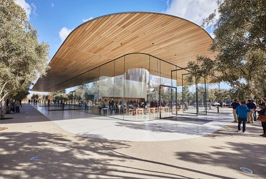 一般人も入れる新本社の「Apple Park Visitor Center」オープンしました