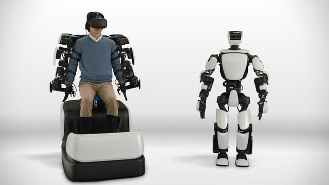 自分の分身のように動かせるトヨタのヒューマノイド・ロボット「T-HR3 」