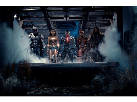 DCコミックスの映画全体を仕切る映画プロデューサー、チャールズ・ローブンにインタビュー!「映画プロデューサーは却下され続ける仕事」