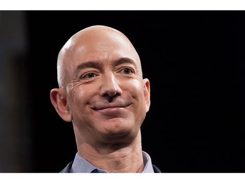 ジェフ・ベゾス、ブラックフライデーで個人資産1000億ドル超え。世界一の大富豪の地位をさらに固める