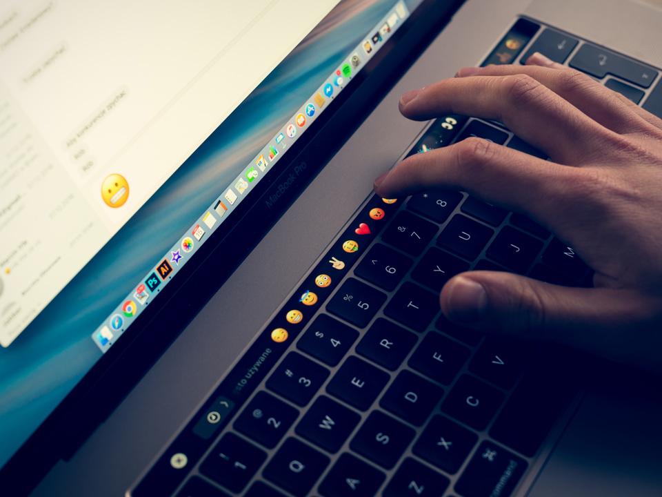 キーワードは新型基板? 2018年の新型MacBookとApple Watchの高性能化に期待
