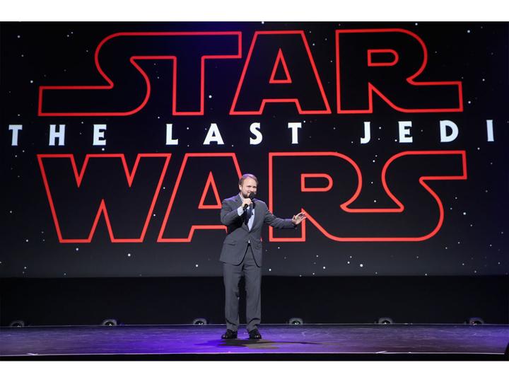 映画『スター・ウォーズ/最後のジェダイ』と新たな三部作は「フォースのグレーゾーン」が鍵に? ライアン・ジョンソン監督が語る