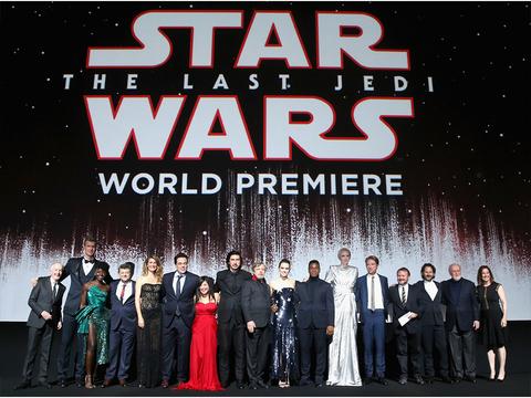 映画『スター・ウォーズ/最後のジェダイ』をプレミア上映で見てきた人たちのSNSの反応