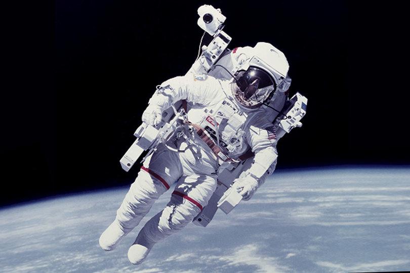 自動操縦システム、宇宙飛行士にも! 非常事態の宇宙遊泳から救い出す命綱として
