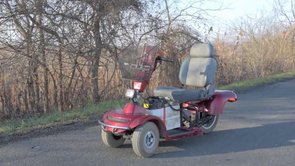 電動三輪スクーター「Freerider」、時速100kmで大爆走