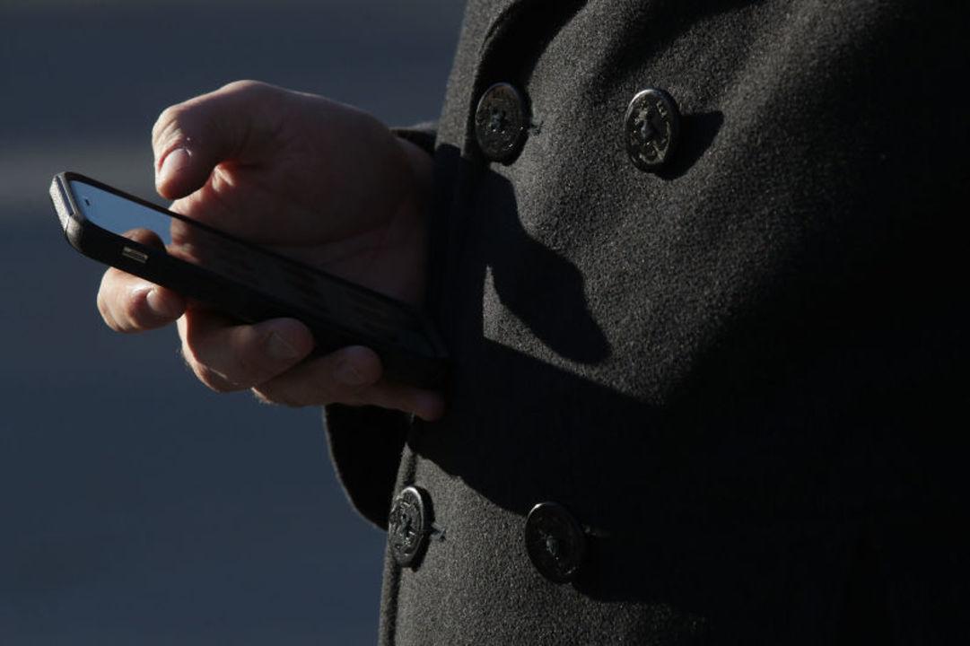 携帯電話の電磁波、やっぱり人体に有害? カリフォルニア州がガイドライン策定で警告