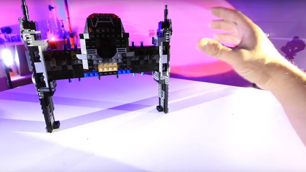 フォースの力でレゴ スター・ウォーズ「カイロ・レンのTIEファイター」を組み立ててみた