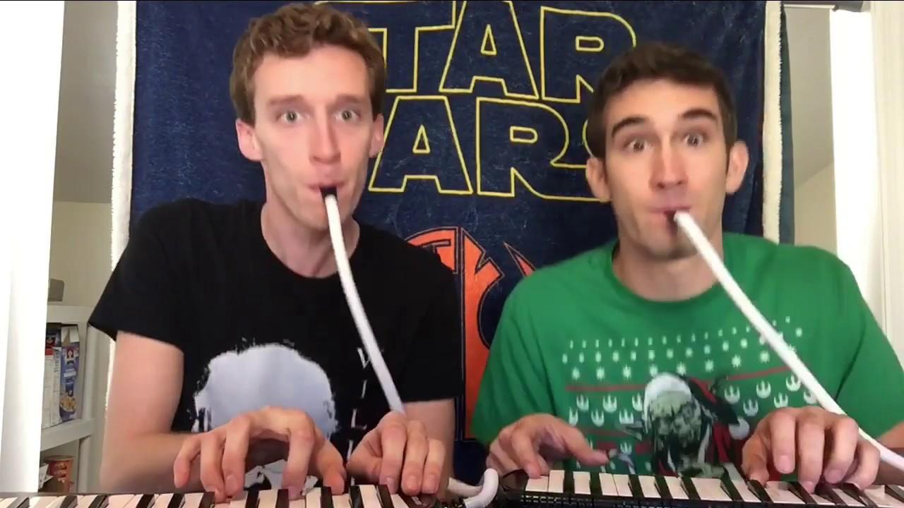 鍵盤ハーモニカ2台で映画『スター・ウォーズ』の音楽をコピーしまくる二人組