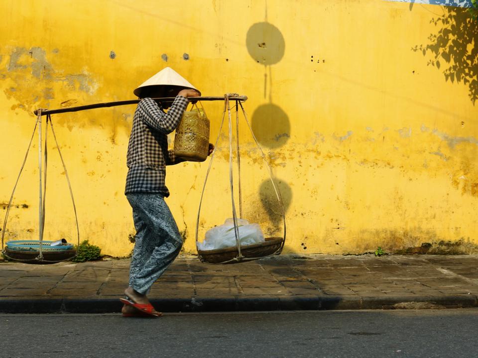 貧しい人を助けるテクノロジー。日本発「フィンテックベンチャー」が世界で注目されるワケ