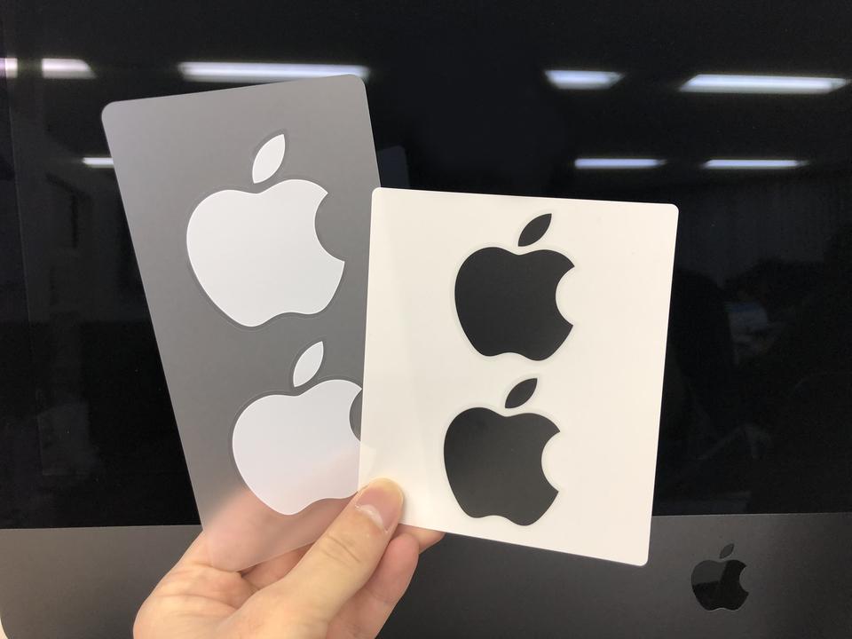 iMac Proの付属品、黒いのはマウスとキーボードだけじゃなかった