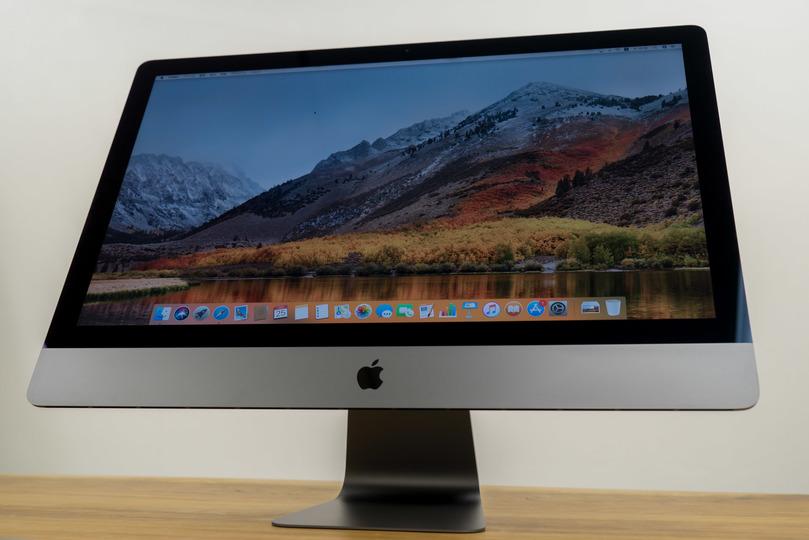 iMac Pro フォトレビュー:この子がいる家に帰りたい