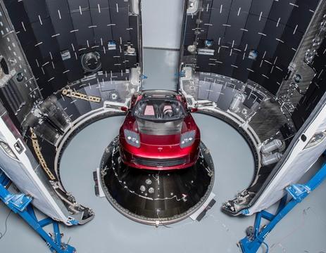 Space XでTeslaロードスターを打ち上げる話、やっぱり本当っぽいぞ?