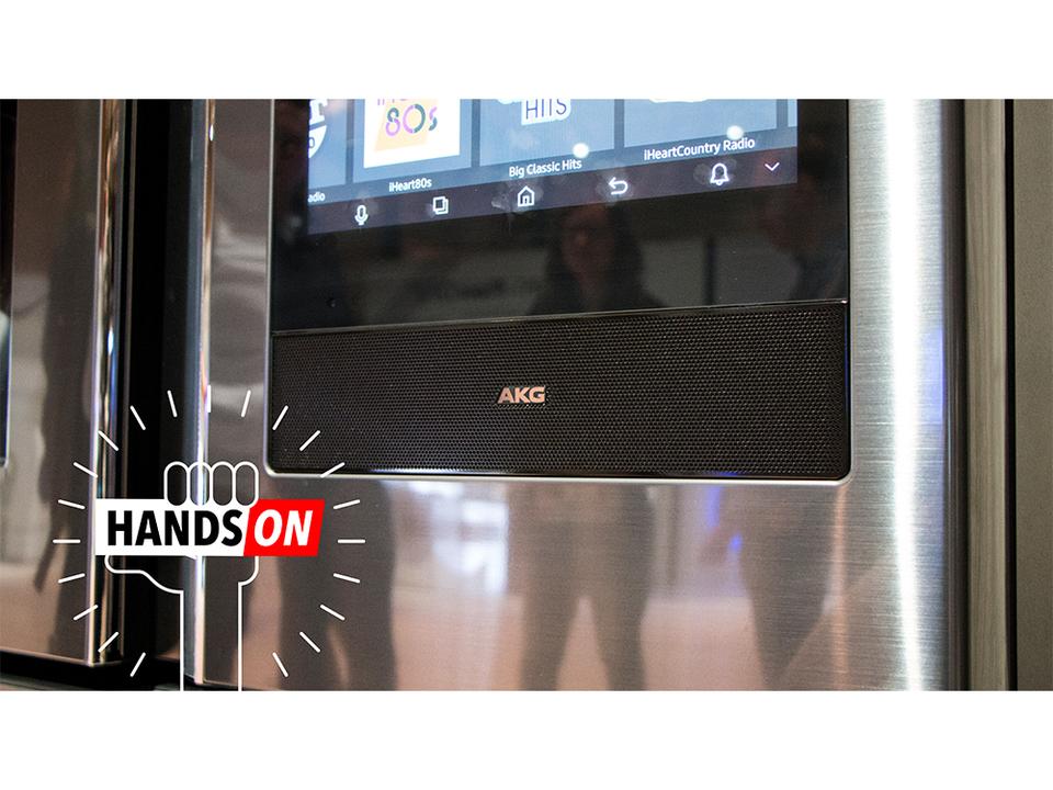 Samsungのタッチスクリーン付きスマート冷蔵庫、AKGのスピーカーもついてる!