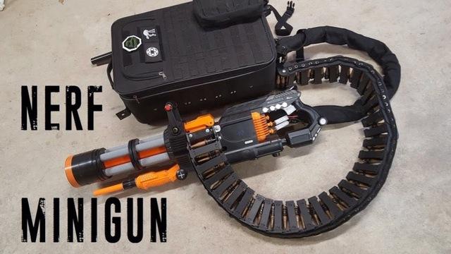 撃った後がめんどくさそう。時速112キロでスポンジ弾を連射できる大人のミニガン