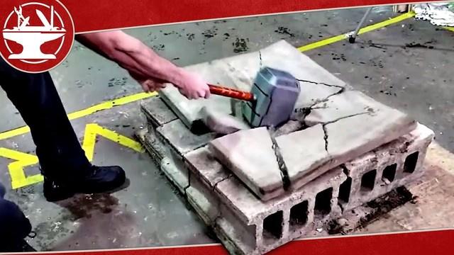 鉛で満たして33kg! 超重量の『マイティー・ソー』ムジョルニア・ハンマー