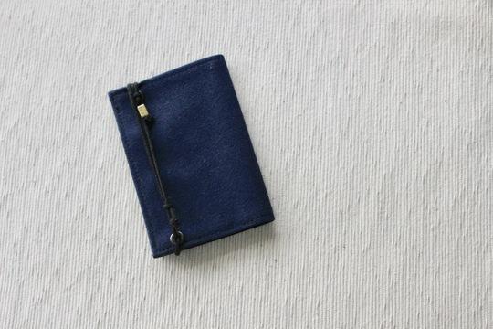 圧倒的な薄さと軽さ。小さい財布「Litt」はミニマリズムを極めたかもしれない